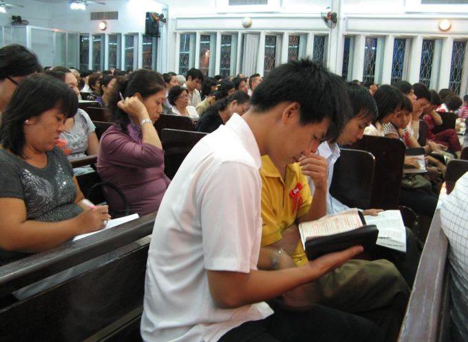 Estudiantes de clase de la Biblia en Hanói, Vietnam, fueron detenidos