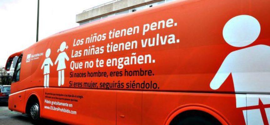 Autobús contra los -antivalores transexuales- recorre calles de España