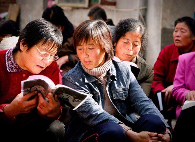 Más de 80 cristianos chinos arrestados por reunirse en iglesias caseras y compartir la palabra de Dios