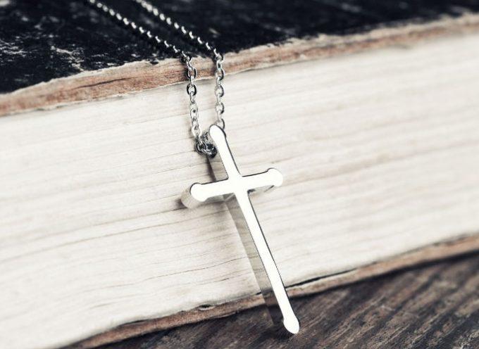 Justicia europea respalda veto a símbolos religiosos en el lugar de trabajo