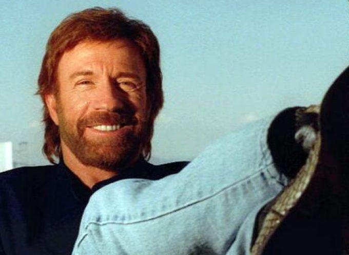 """Chuck Norris: """"La lectura de la Biblia me regresó a los pies de Cristo"""""""