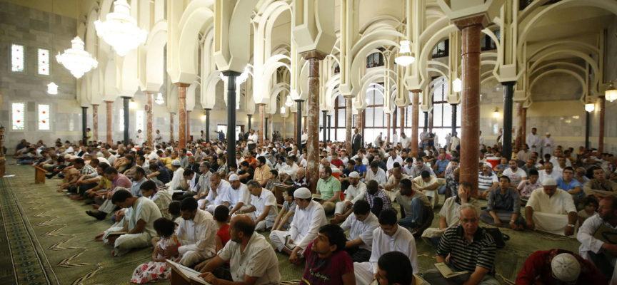 Iglesia Evangélica se convierte en mezquita y pastor confiesa que reza a Alá