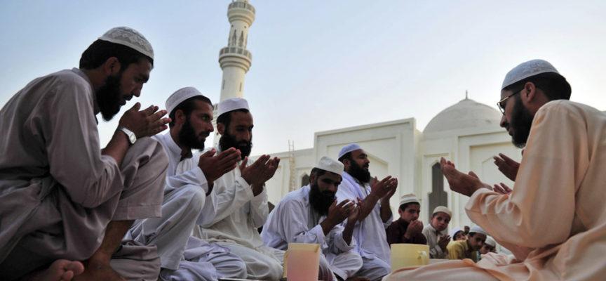 Musulmanes imitan culto pentecostal para engañar y detener las conversiones al cristianismo