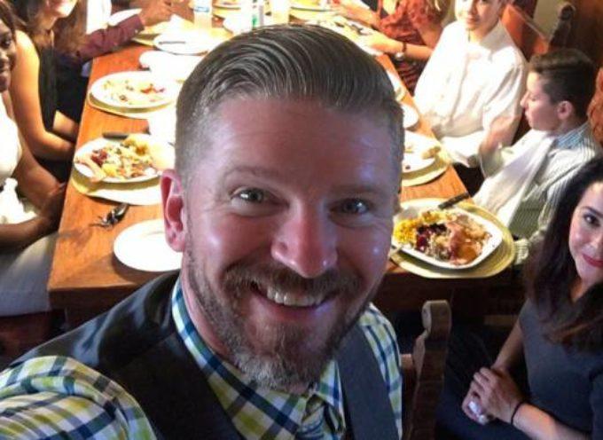 Pastor evangélico se convierte al catolicismo y se lleva a miembros de la iglesia