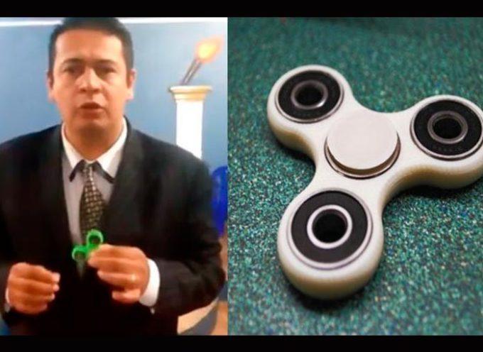 Un pastor evangélico asegura que el spinner es un juguete diabólico