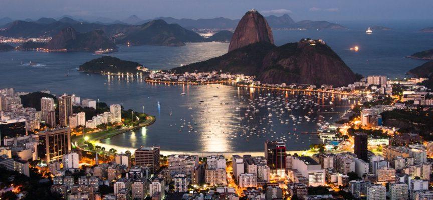 """Iglesias """"modernas"""" atraen a los jóvenes en Río de Janeiro"""