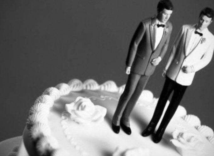 Tribunal falla a favor de fotógrafa cristiana, no será forzada a trabajar en bodas gays