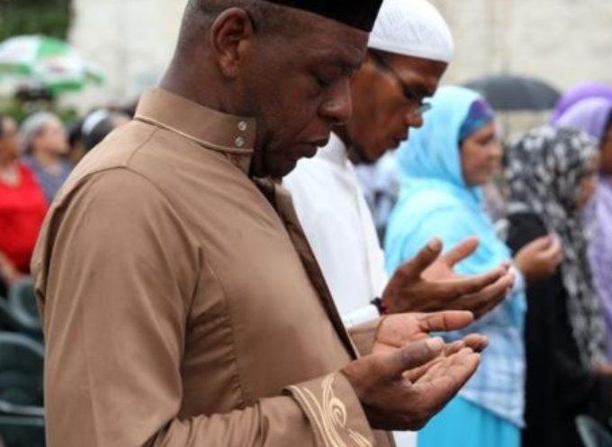 Iglesias evangélicas en Finlandia reciben a musulmanes convertidos al evangelio