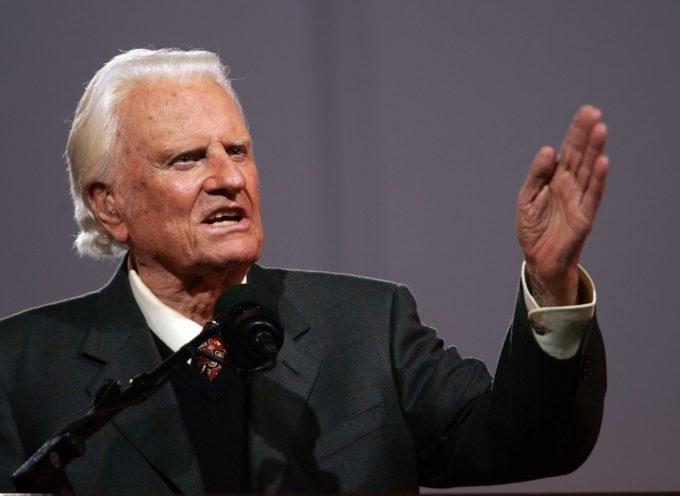 Las tragedias son permitidos por Dios para reconocer que lo necesitamos, afirma Billy Graham