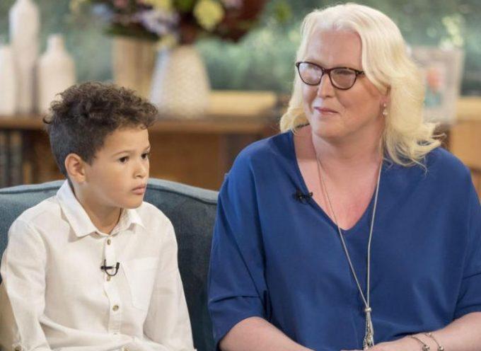 """Madre de 'niño trans' llama a los cristianos """"ignorantes"""" por oponerse a la ideología de género"""