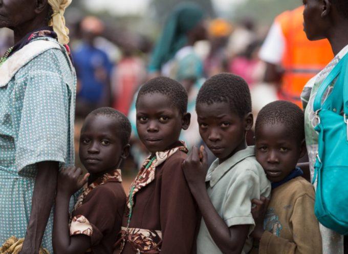 Niños cristianos son obligados a pronunciar oraciones Islámicas para poder comer