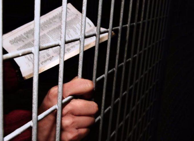 Pasó de ser alcohólico a un evangelista en las cárceles de EE.UU