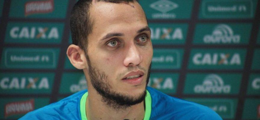 """""""Mi misión es jugar y hablar de Dios"""", dice Neto un año después de la tragedia chapecoense"""