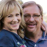 """Esposa del pastor Rick Warren cuenta cómo venció la pornografía: """"Prometi a Dios no avergonzarlo"""""""